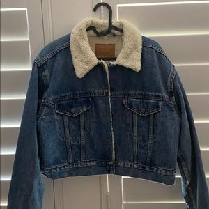 Like new, Levi Strauss, Cropped Sherpa/Jean Jacket
